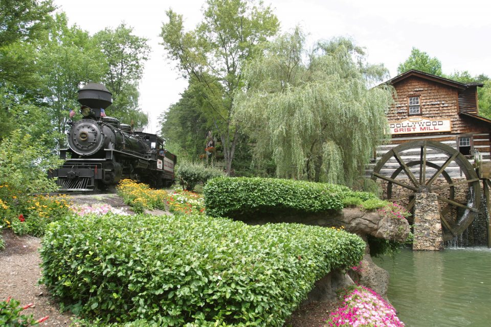 Dollywood- DW Express and Grist Mill